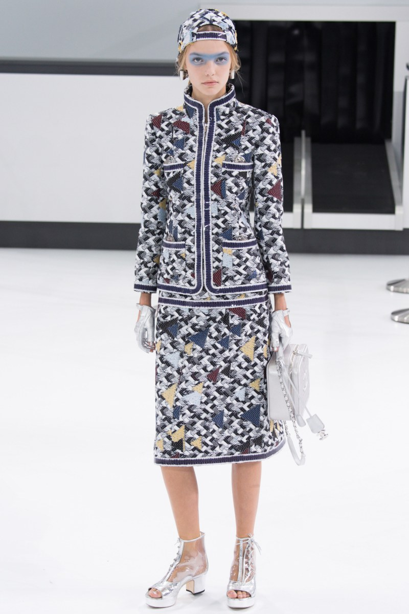 Chanel Ready To Wear SS 2016 PFW (8)