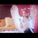 Grimes – Flesh without Blood/Life in the Vivid Dream (Music Video)