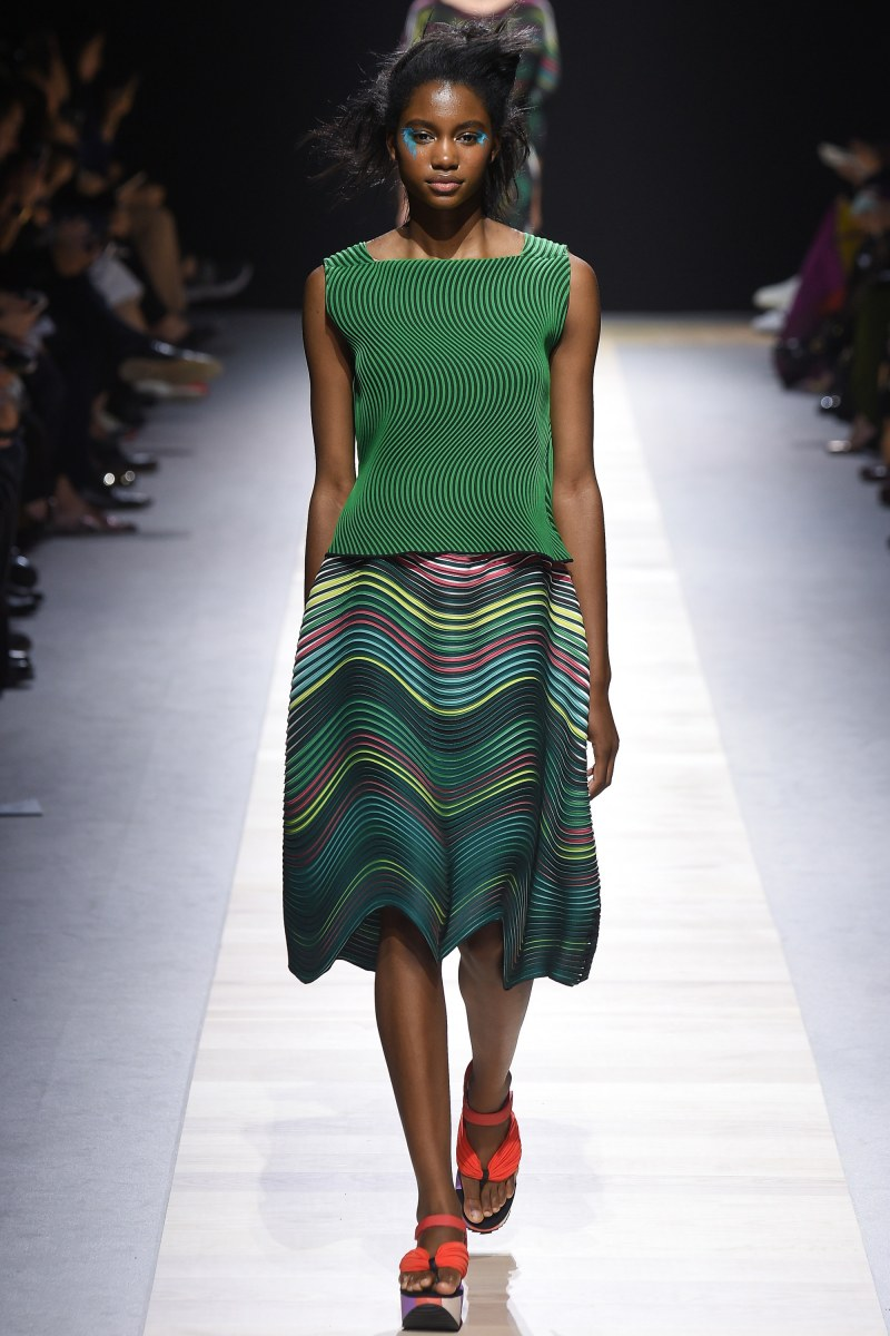 Issey Miyake Ready To Wear SS 2016 PFW (39)