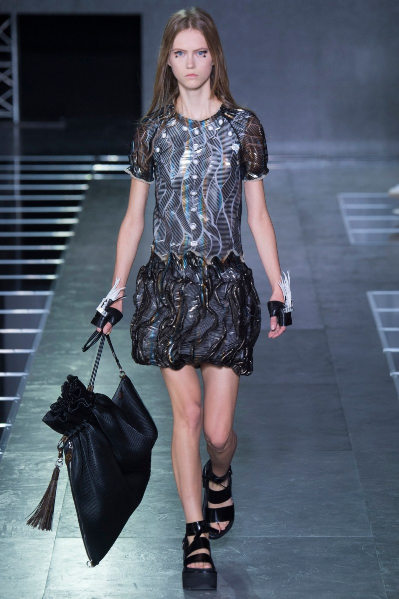 Louis Vuitton Ready To Wear SS 2016 PFW  (47)