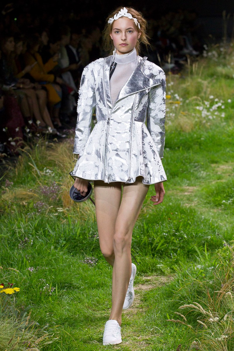 Moncler Gamme Rouge Ready To Wear SS 2016 PFW (10)