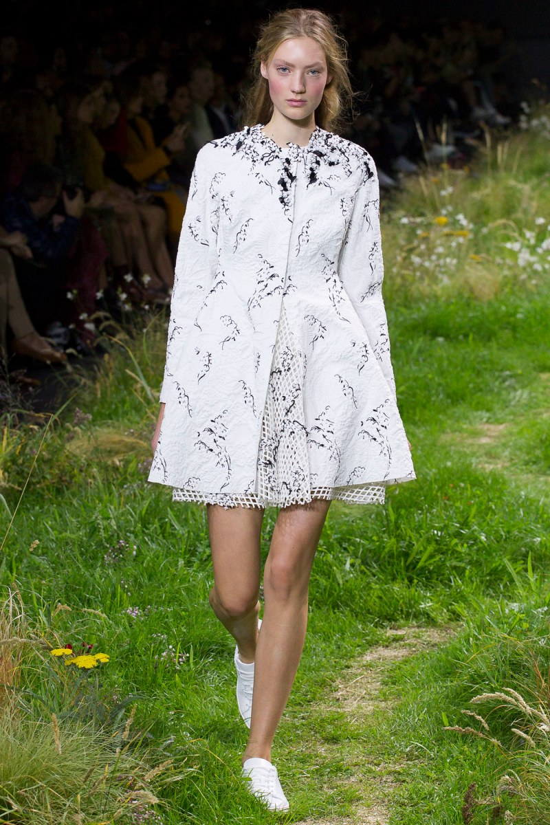 Moncler Gamme Rouge Ready To Wear SS 2016 PFW (13)