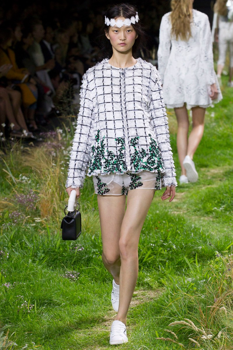 Moncler Gamme Rouge Ready To Wear SS 2016 PFW (14)