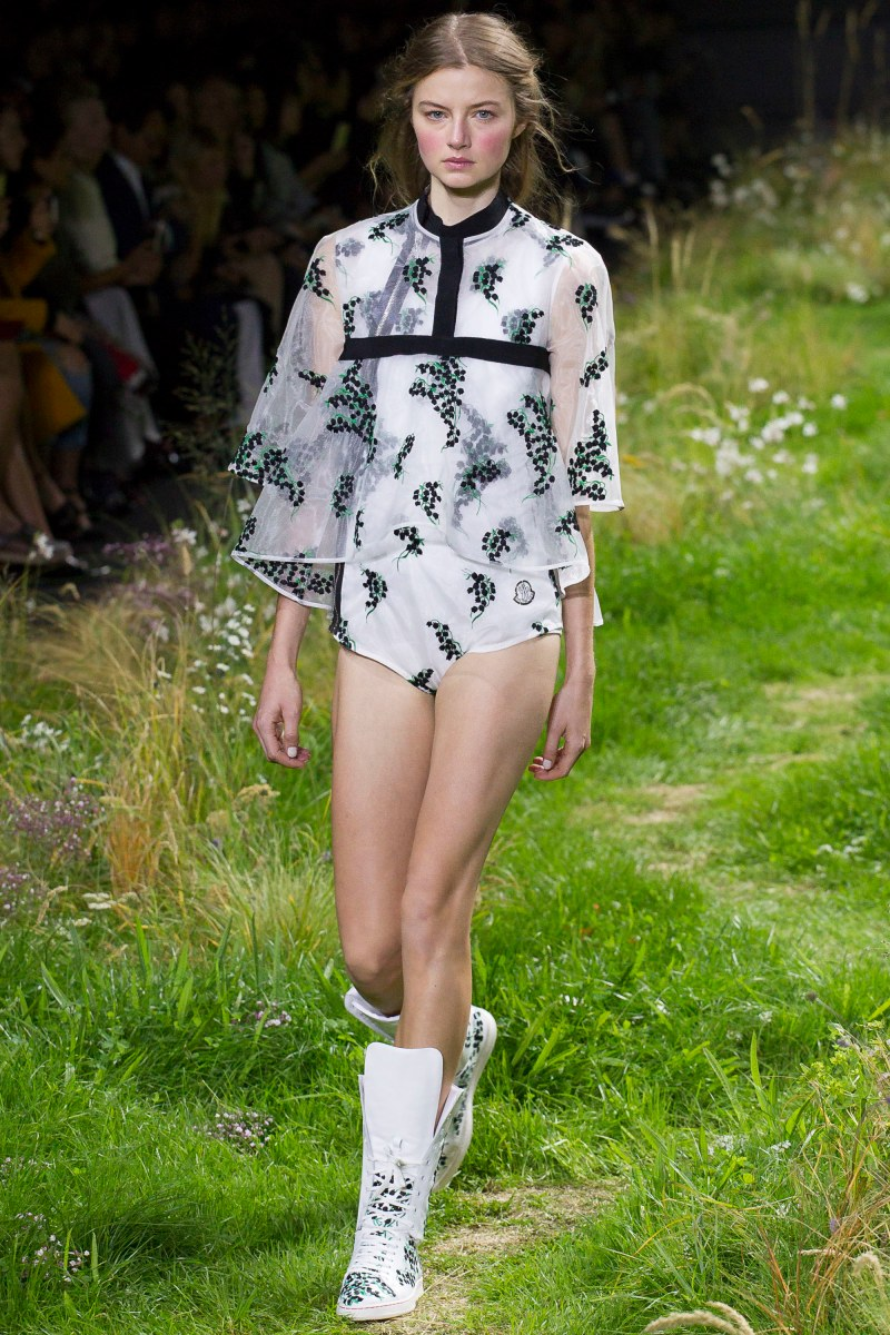 Moncler Gamme Rouge Ready To Wear SS 2016 PFW (19)