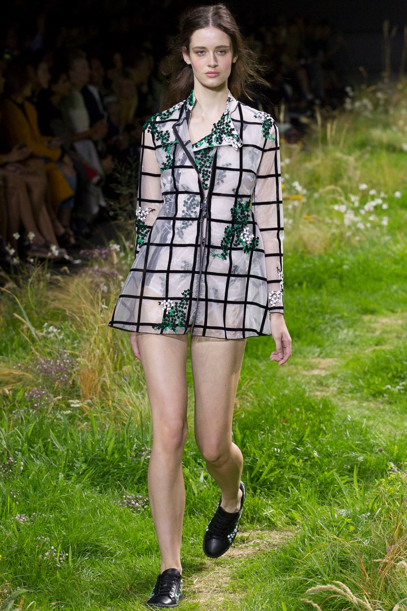 Moncler Gamme Rouge Ready To Wear SS 2016 PFW (20)