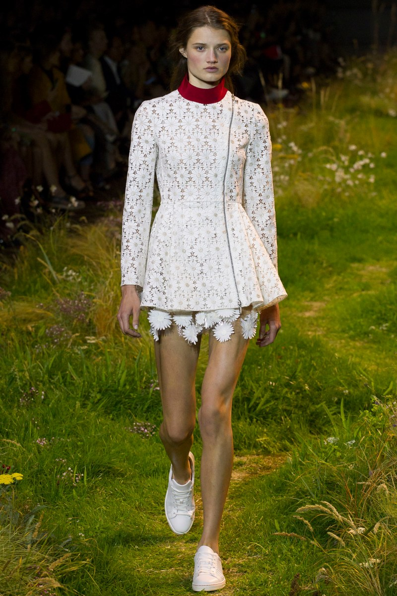 Moncler Gamme Rouge Ready To Wear SS 2016 PFW (38)