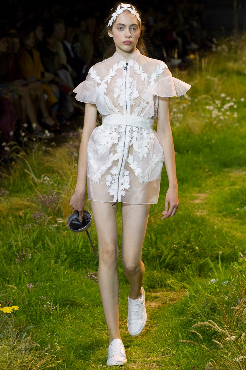 Moncler Gamme Rouge Ready To Wear SS 2016 PFW (41)