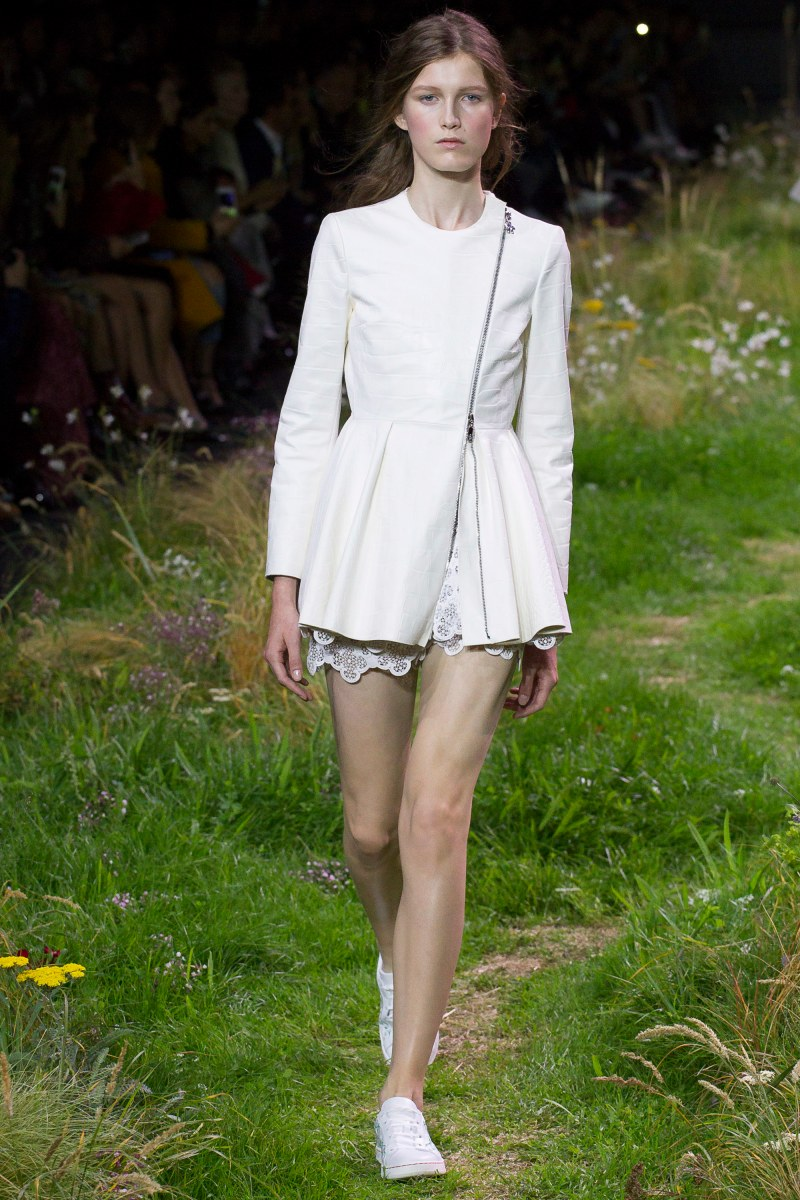 Moncler Gamme Rouge Ready To Wear SS 2016 PFW (5)
