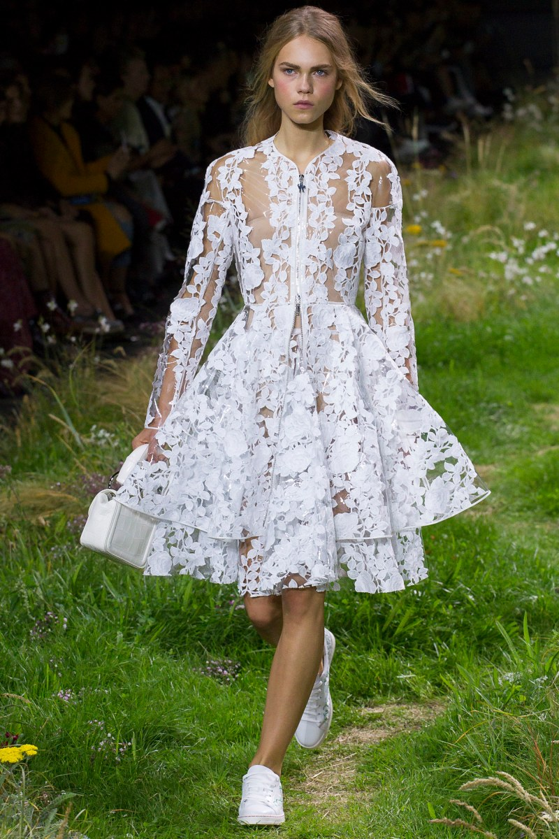 Moncler Gamme Rouge Ready To Wear SS 2016 PFW (9)