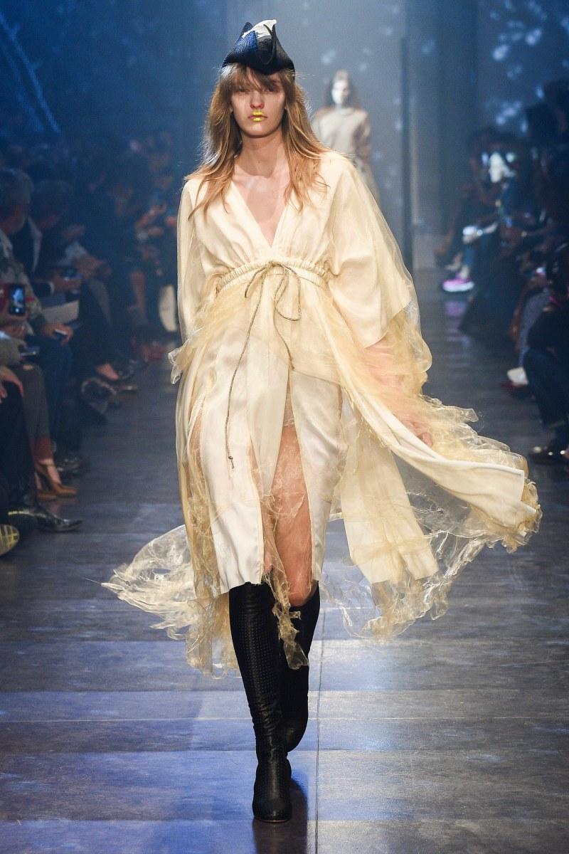Vivienne Westwood Ready To Wear SS 2016 PFW (47)