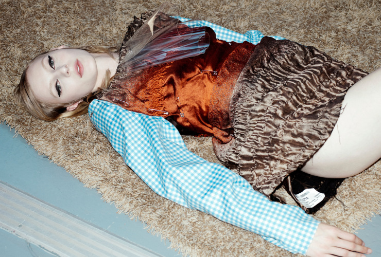 julia-nobis-by-willy-vanderperre-for-document-journal-fallwinter-2015-13