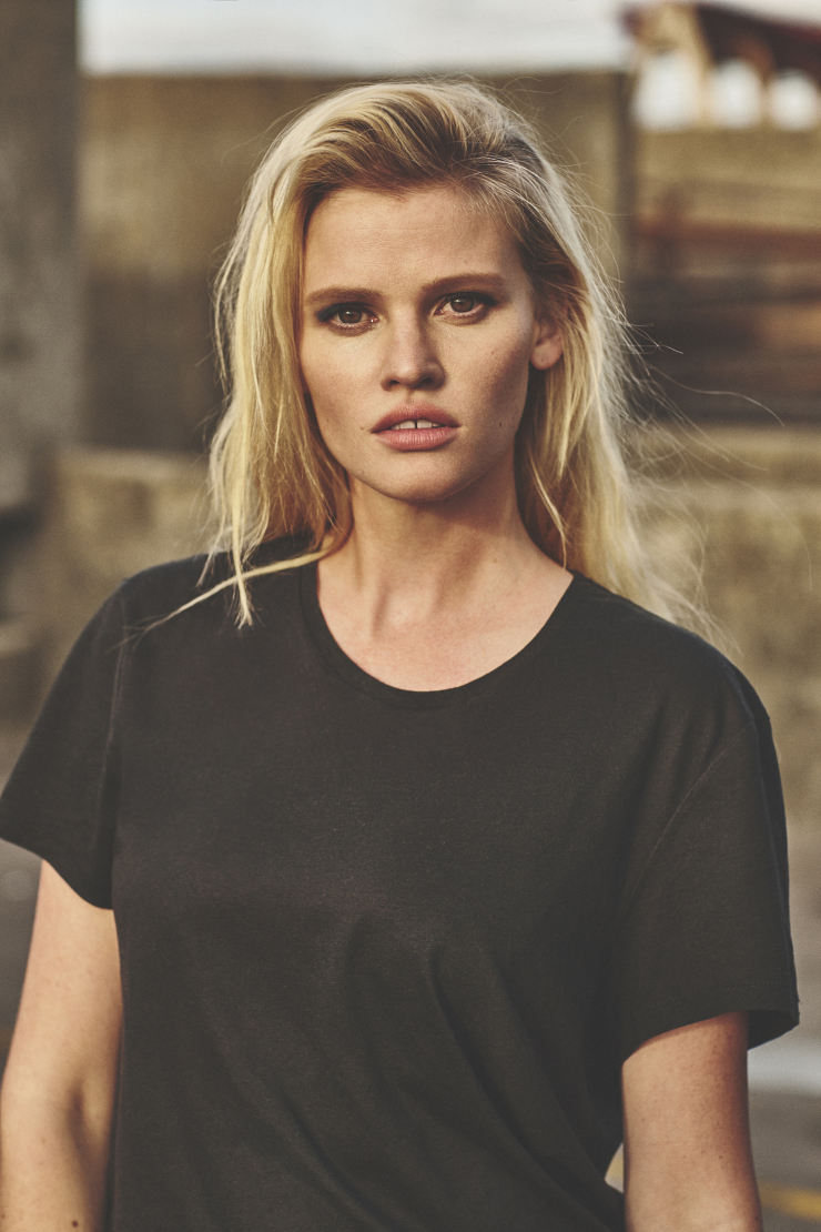 lara-stone-by-emma-tempest-for-russh-magazine-66-octobernovember-2015-4