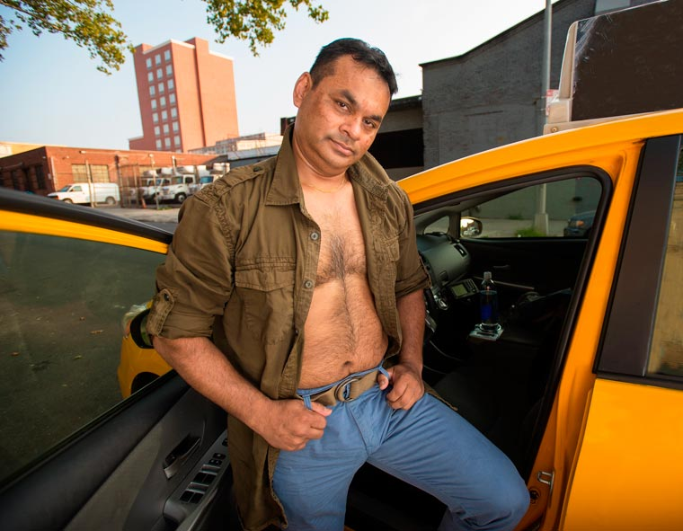 Real NYC Taxi Drivers Get Sexy in a 2016 Calender (1)
