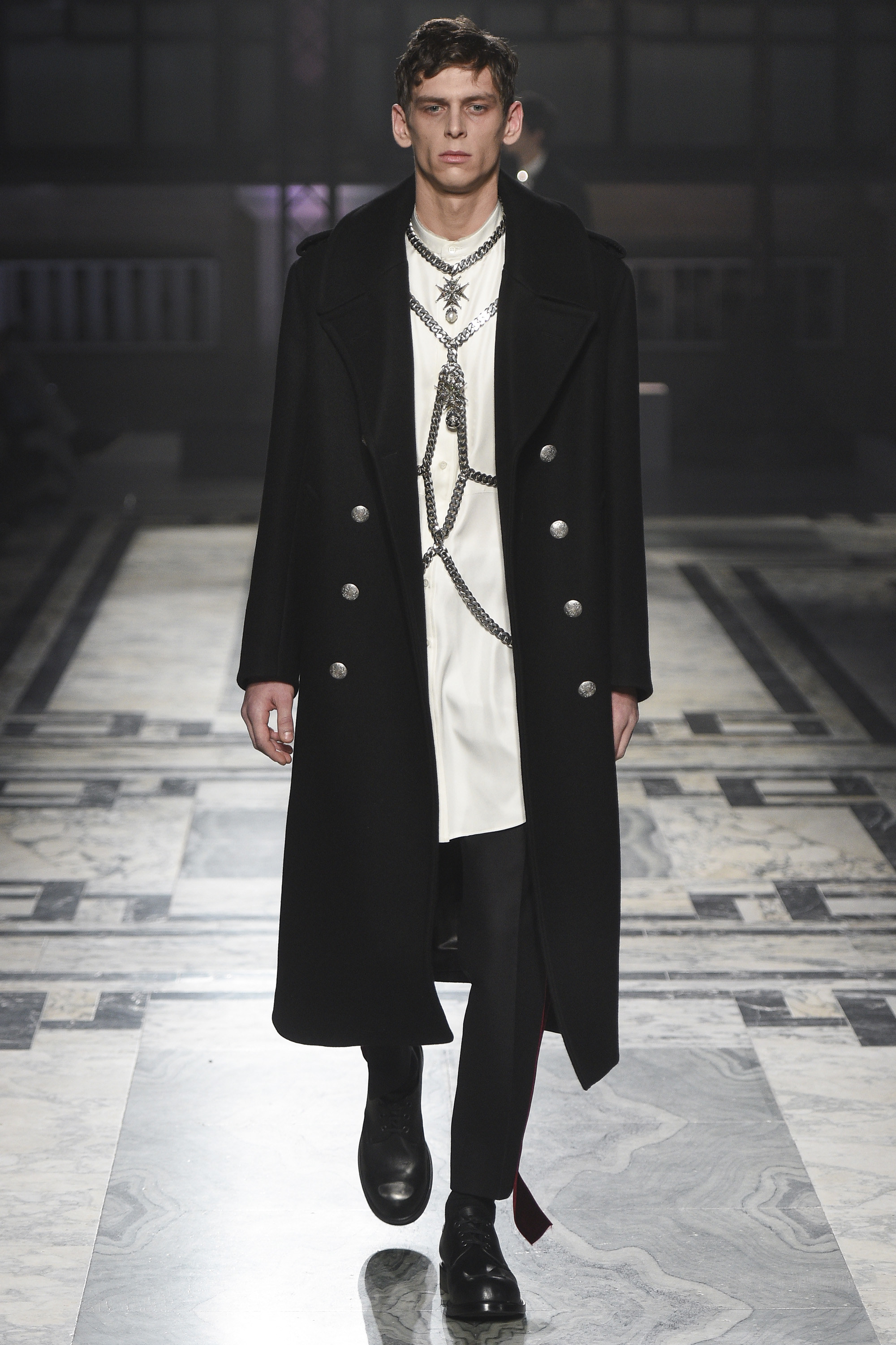Alexander McQueen Menswear FW 2016 London
