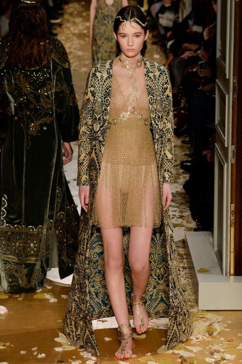 Valentino Haute Couture SS 2016 Paris (35)