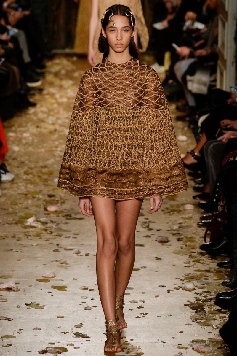 Valentino Haute Couture SS 2016 Paris (37)