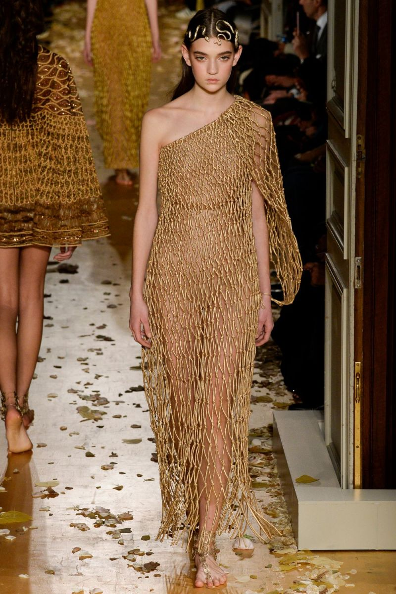 Valentino Haute Couture SS 2016 Paris (38)