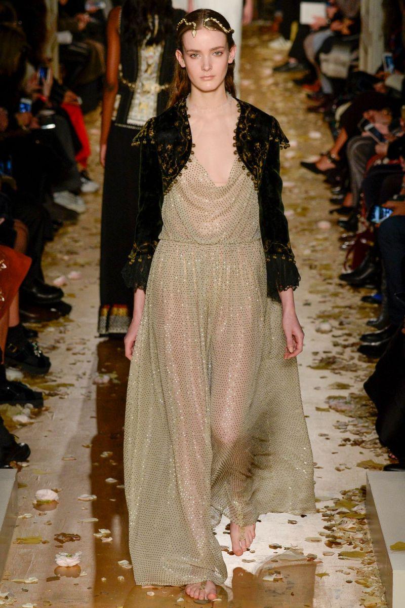 Valentino Haute Couture SS 2016 Paris (50)