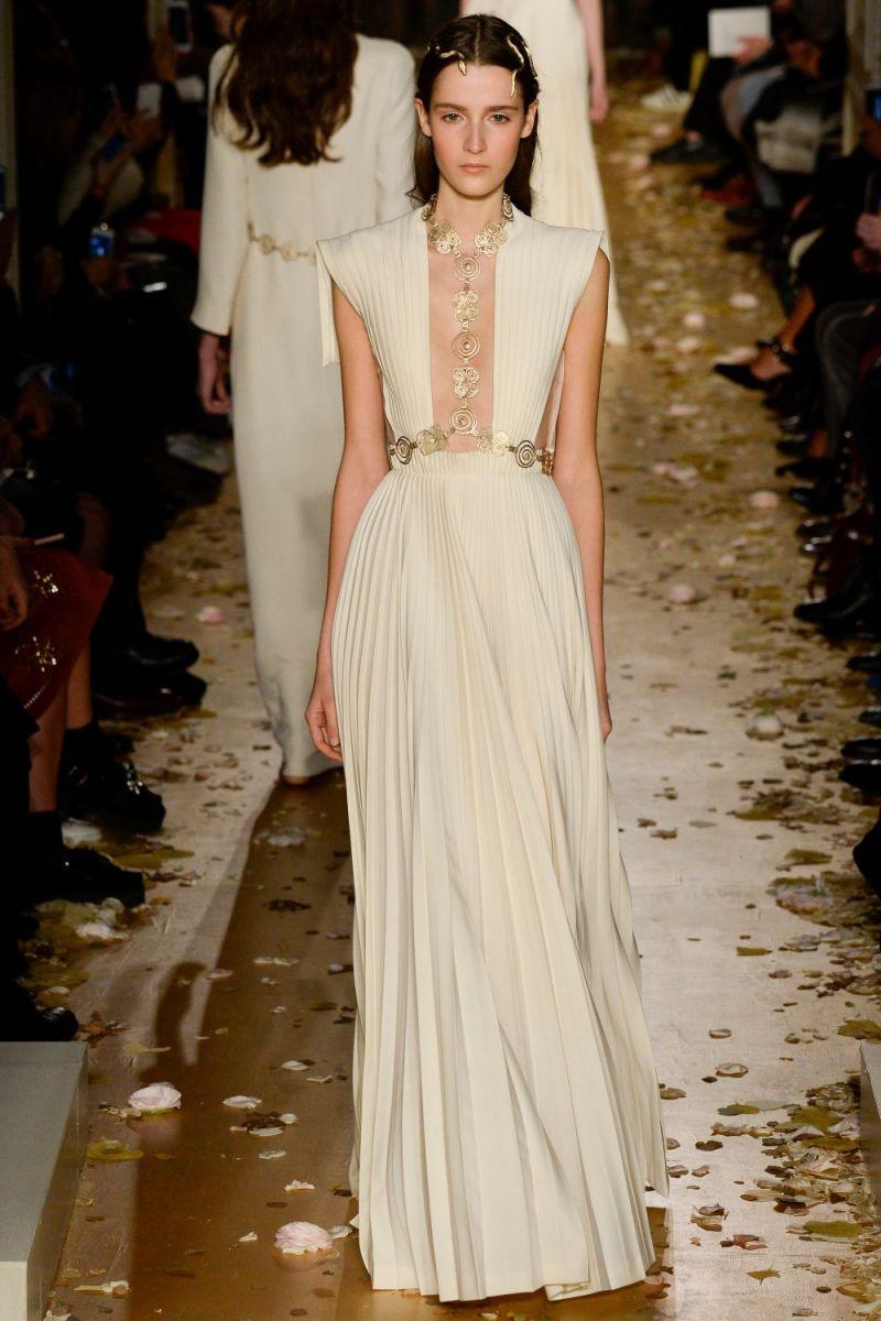 Valentino Haute Couture SS 2016 Paris (54)