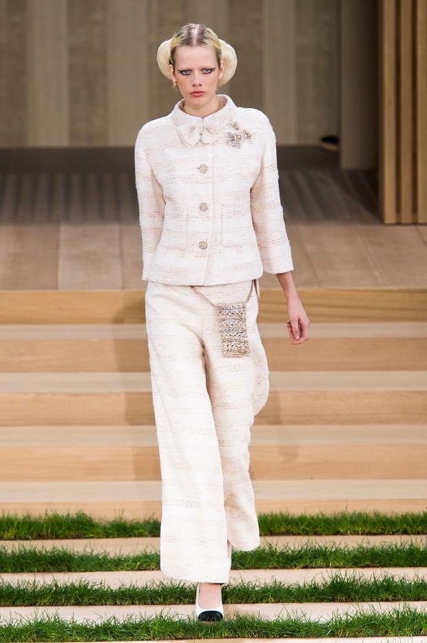chanel-haute-couture-spring-2016-pfw13