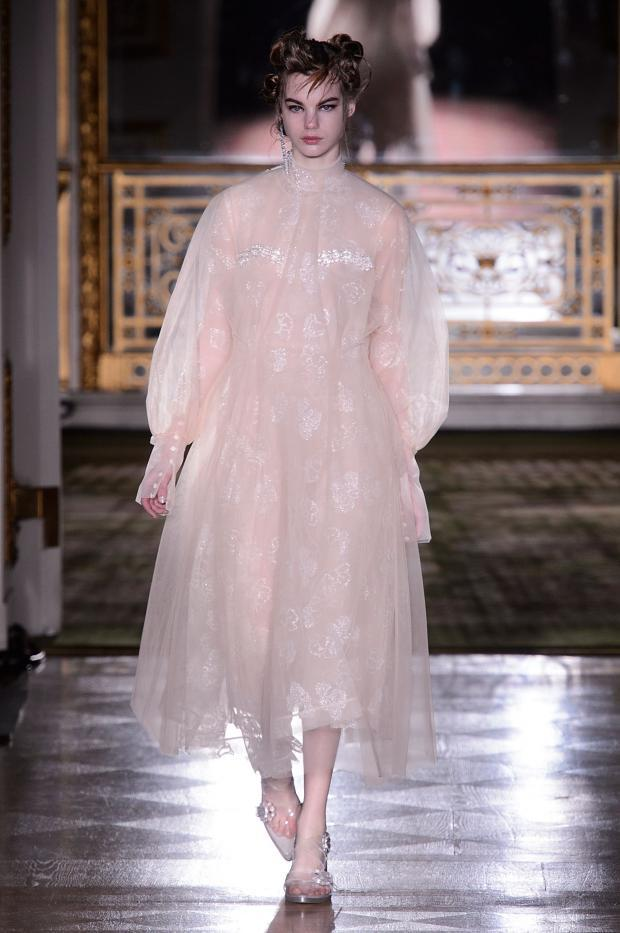 simone-rocha-autumn-fall-winter-2016-lfw3