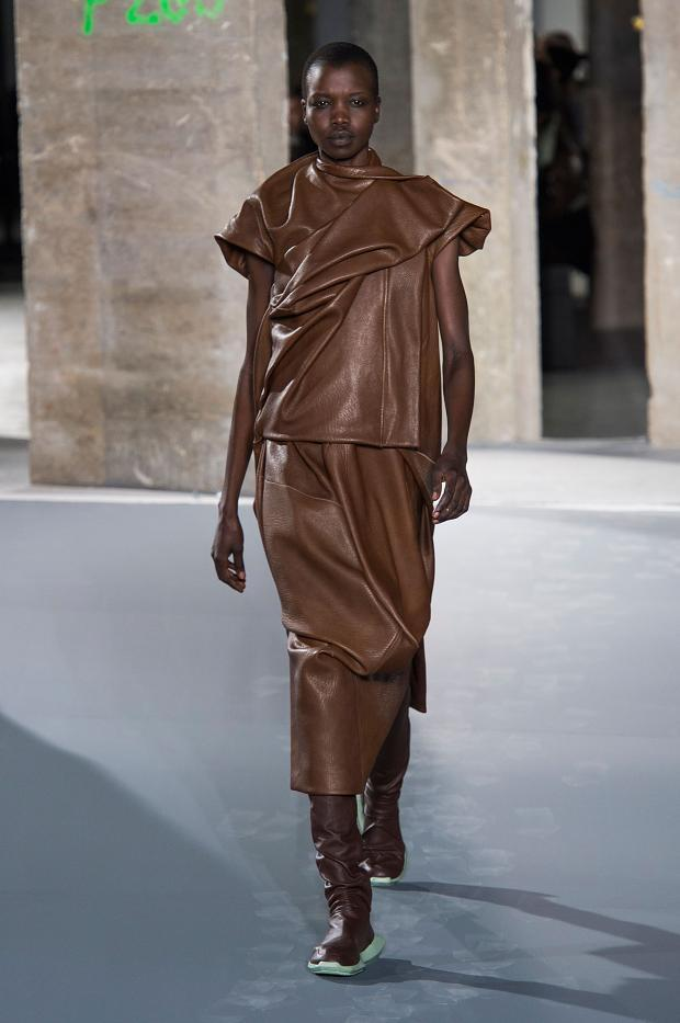 030316rick-owens-autumn-fall-winter-2016-pfw27
