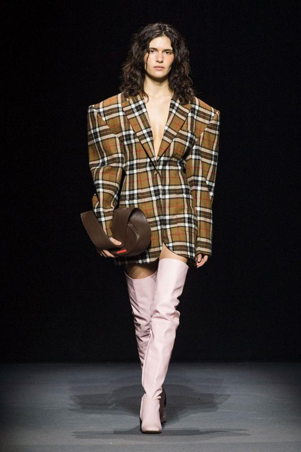 jacquemus-autumn-fall-winter-2016-pfw14