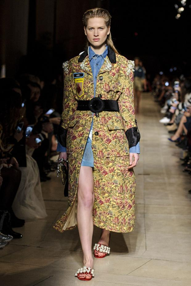 miu-miu-autumn-fall-winter-2016-pfw47