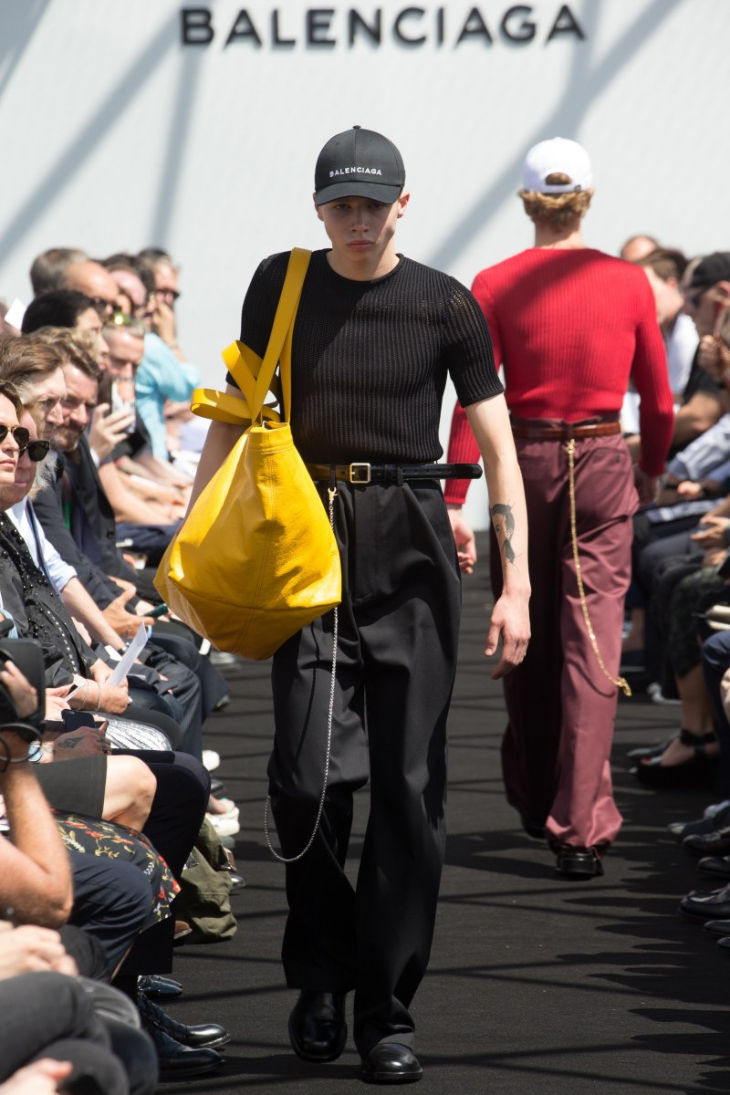 Balenciaga Menswear SS 2017 Paris (22)