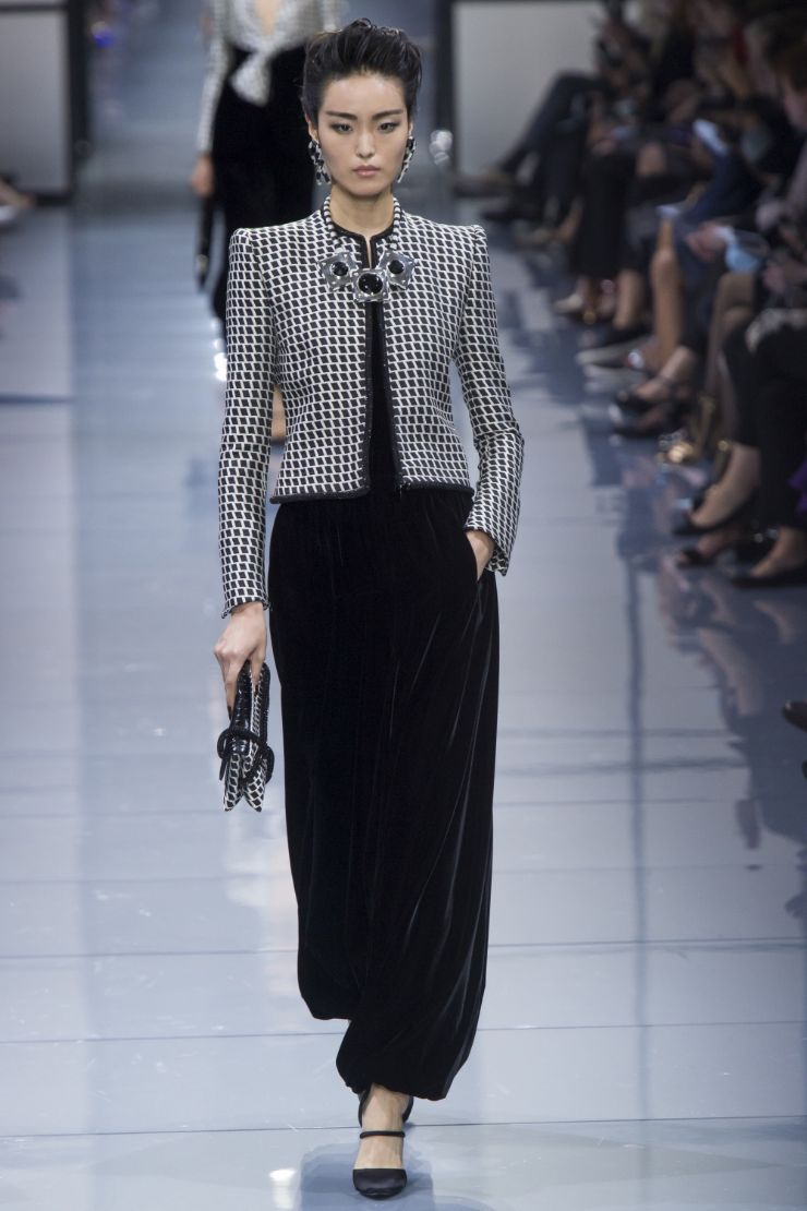 Armani Priv+¬ Haute Couture FW 2016 Paris (15)