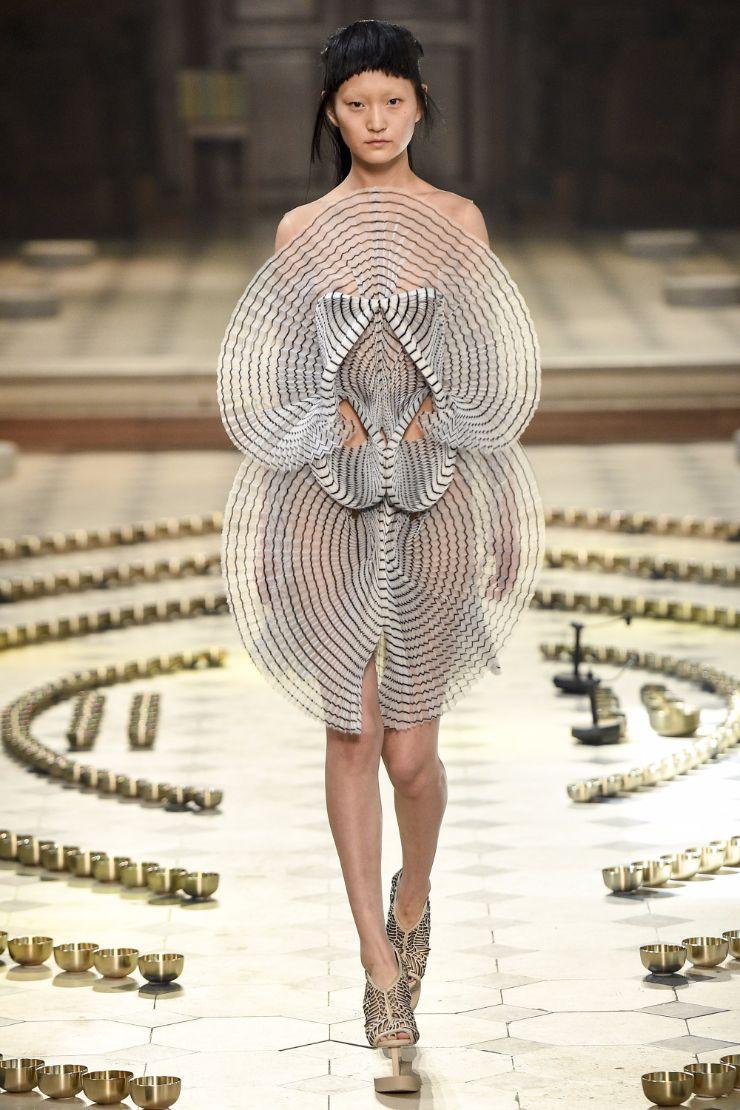 Iris van Herpen Haute Couture FW 2016 Paris (7)