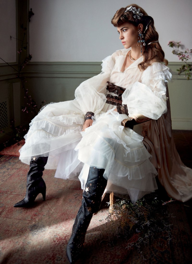 Julia Jamin by Camilla Akrans (2)