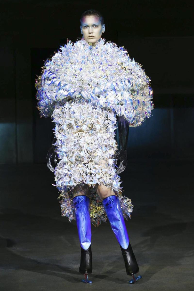 Yuima Nakazato Fashion Show, Couture Collection Fall Winter 2016 in Paris
