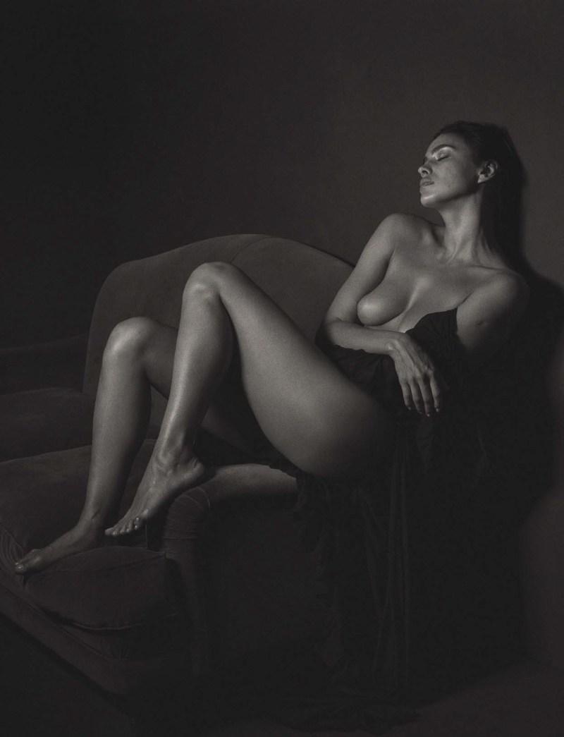Irina Shayk by Mario Sorrenti (1)