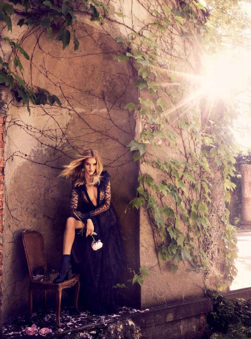 Rosie Huntington Whiteley by Alexi Lubomirski  (2)