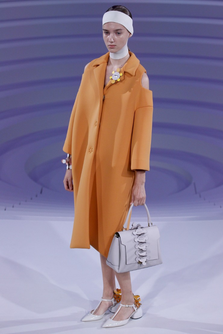 anya-hindmarch-ready-to-wear-ss-2017-lfw-18