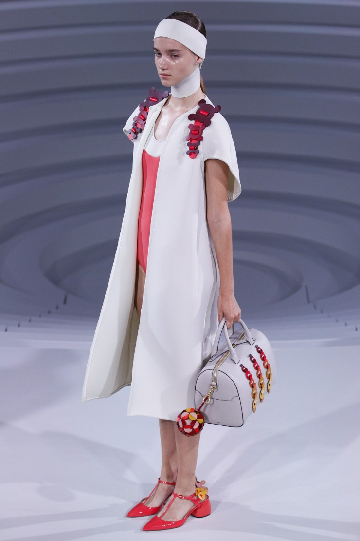 anya-hindmarch-ready-to-wear-ss-2017-lfw-2