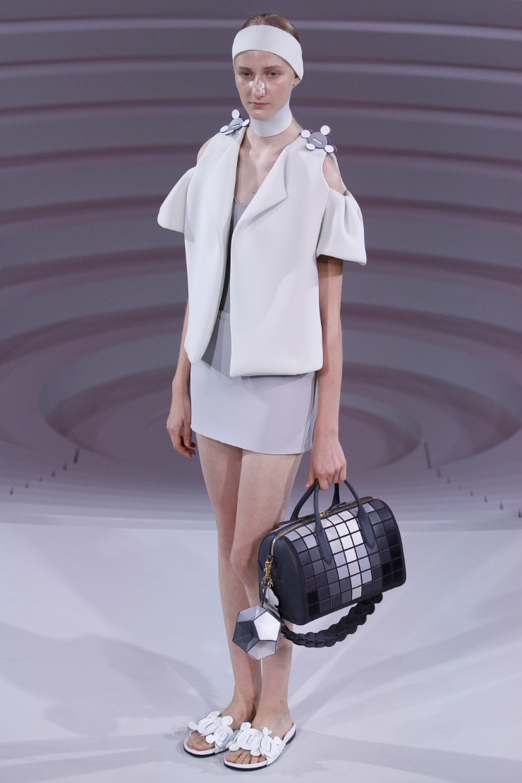 anya-hindmarch-ready-to-wear-ss-2017-lfw-6