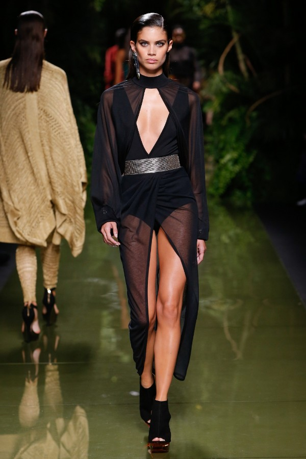 balmain-ready-to-wear-ss-2017-pfw-56