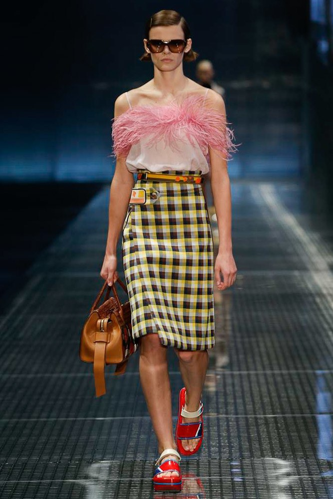 prada-ready-to-wear-ss-2017-mfw-18