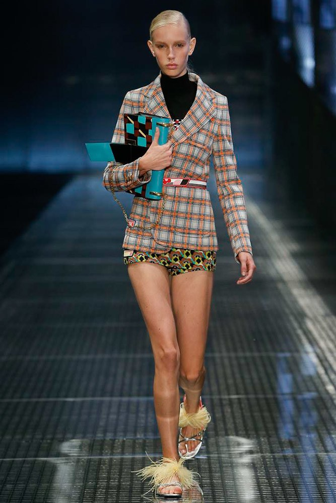 prada-ready-to-wear-ss-2017-mfw-19