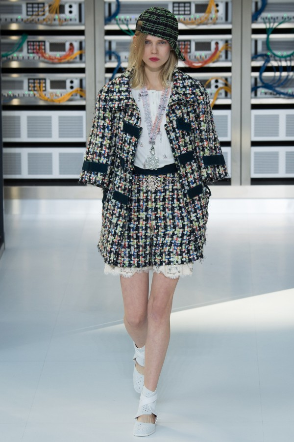 chanel-ready-to-wear-ss-2017-pfw-18
