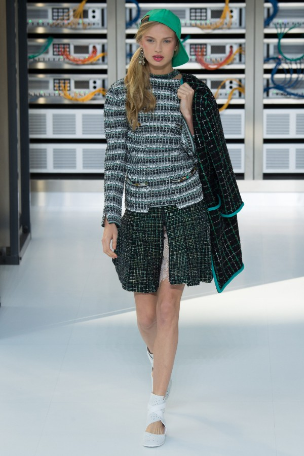 chanel-ready-to-wear-ss-2017-pfw-25