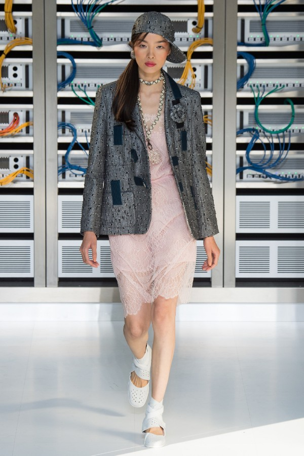 chanel-ready-to-wear-ss-2017-pfw-66