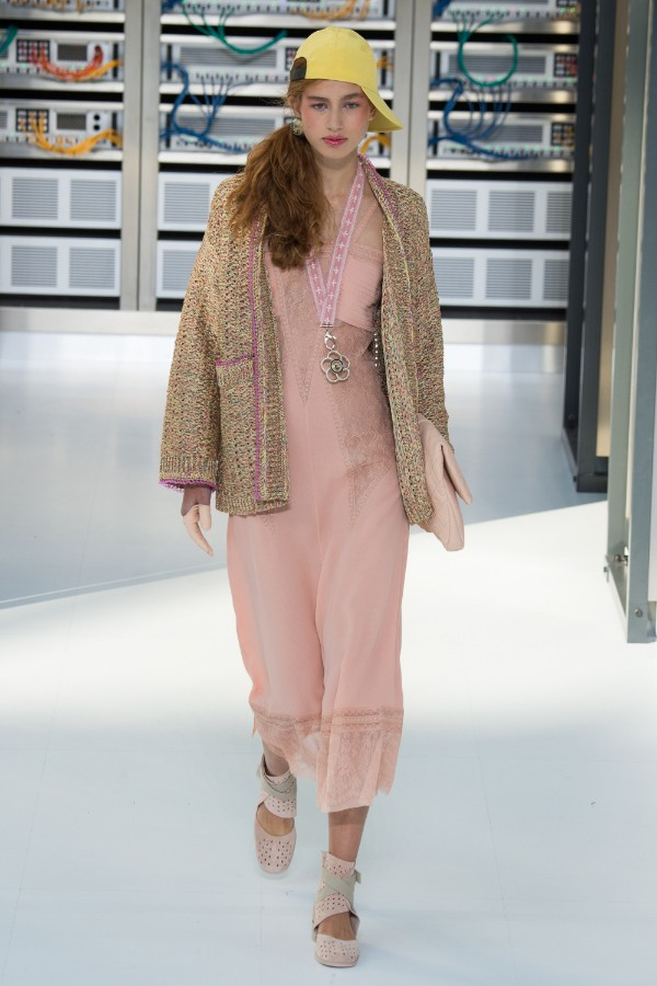 chanel-ready-to-wear-ss-2017-pfw-80