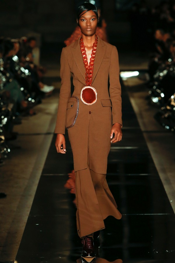 givenchy-ready-to-wear-ss-2017-pfw-38