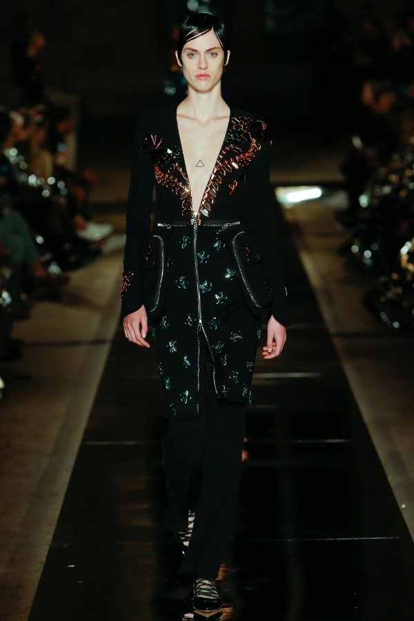 givenchy-ready-to-wear-ss-2017-pfw-52