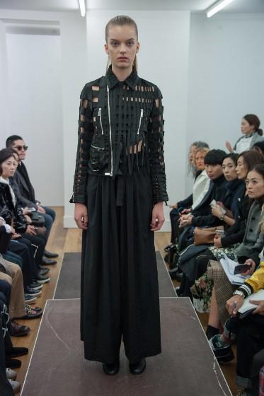 noir-kei-ninomiya-ready-to-wear-ss-2017-pfw-16