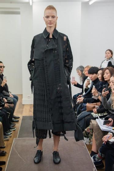 noir-kei-ninomiya-ready-to-wear-ss-2017-pfw-17