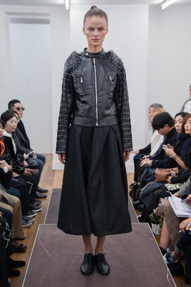 noir-kei-ninomiya-ready-to-wear-ss-2017-pfw-18